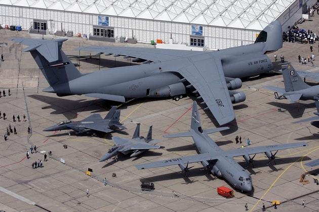 Lockheed C-5 Galaxy в сравнении с другими самолетами